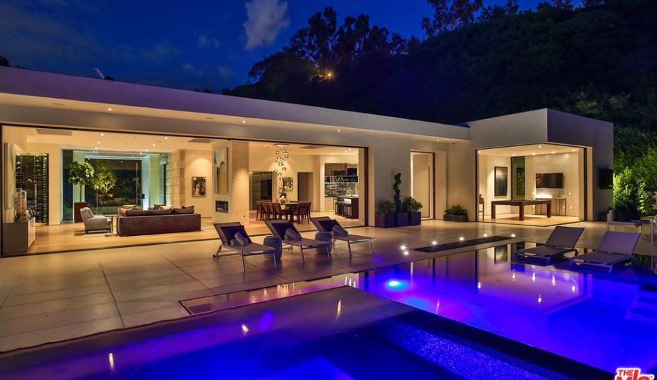 $19.995 Million Modern Home In Beverly Hills, CA