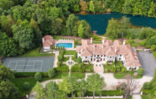 4 Incredible Lakefront Homes For Sale