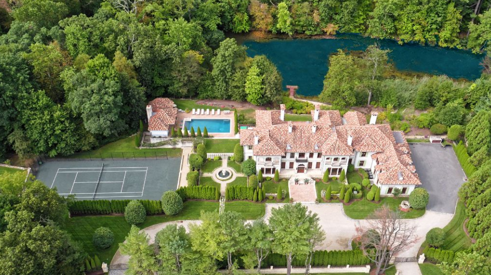 4 incredible lakefront homes for sale homes of the rich