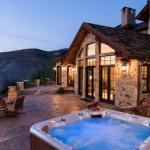 Terrace w/ Hot Tub