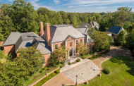 $3 Million Brick Georgian Mansion In Memphis, TN