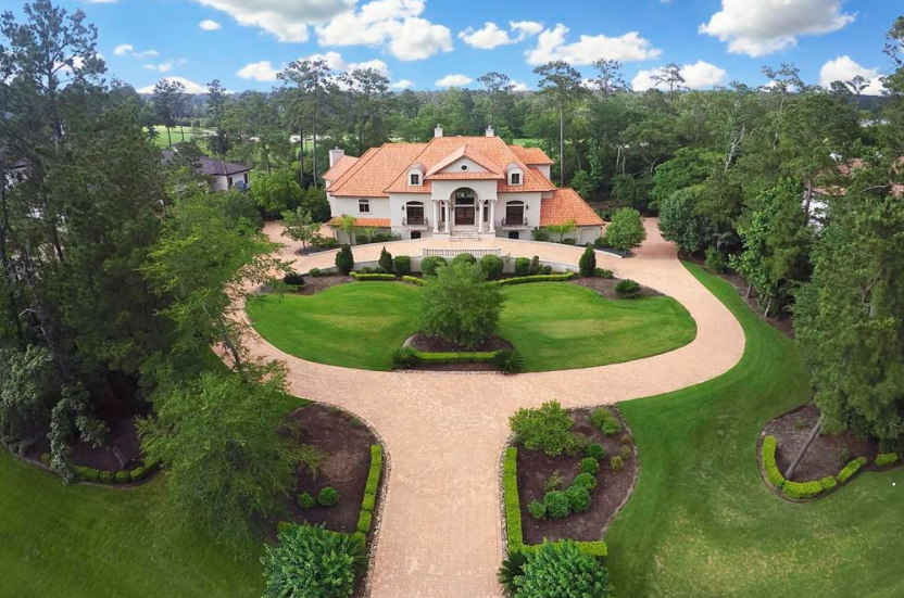 $3.4 Million Golf Course Mansion In The Woodlands, TX