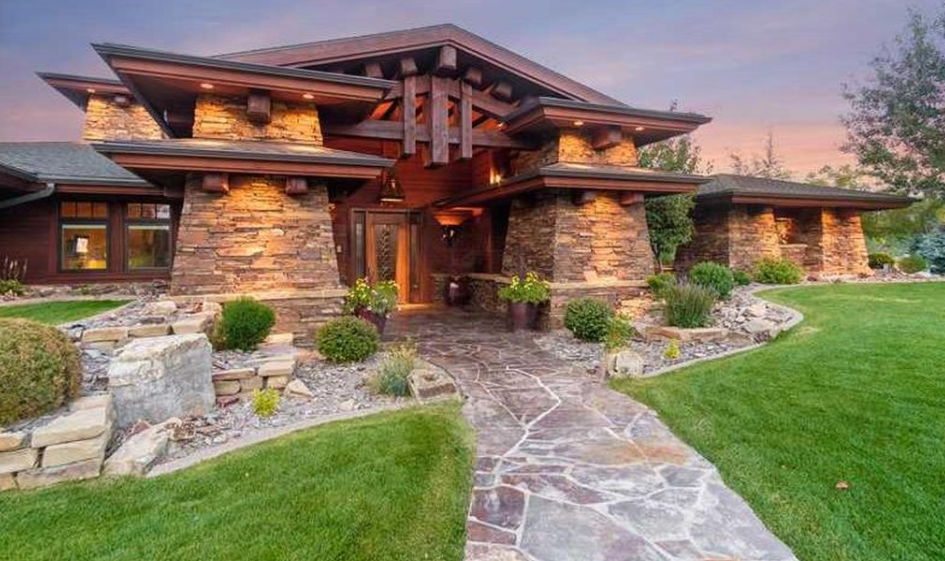 2 7 Million Wood Amp Stone Mansion In Billings Mt Homes