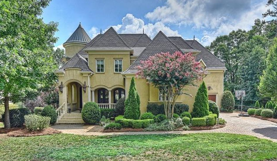$1.95 Million European Inspired Stucco Mansion In Charlotte, NC