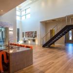 2-story Foyer & Dining Room