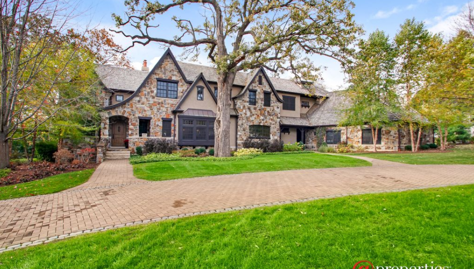 10,000 Square Foot Stone & Stucco Mansion In Libertyville, IL