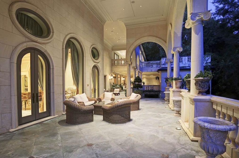 La Perse A 30 Million Limestone Mega Mansion In Houston