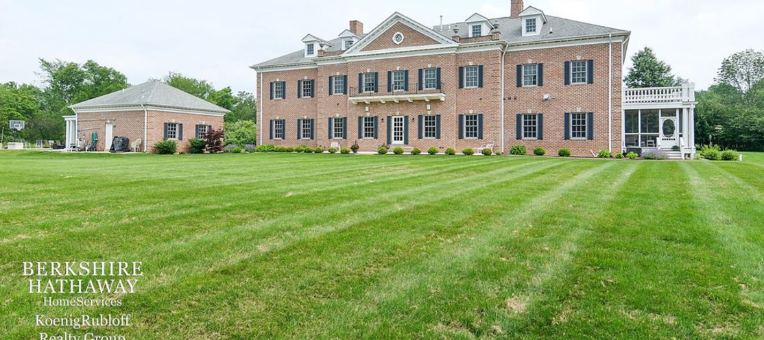 10 000 Square Foot Colonial Brick Mansion In Valparaiso