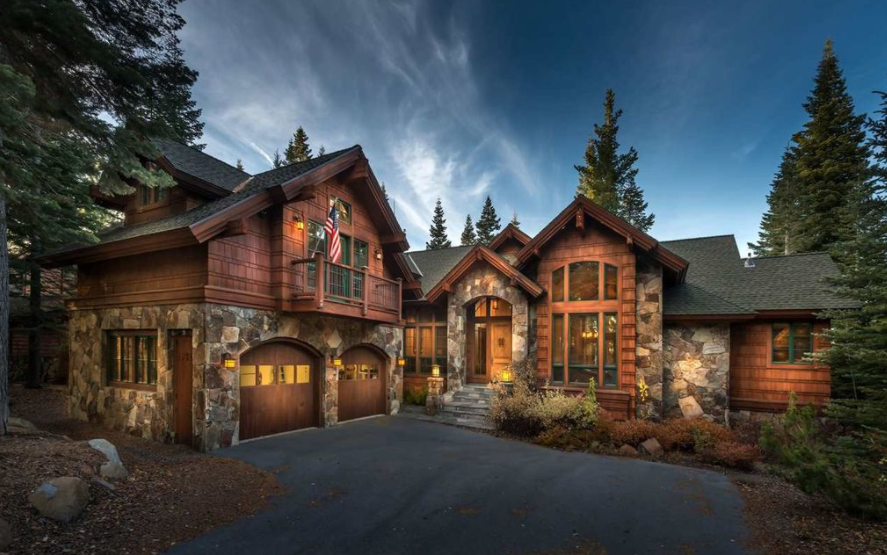 $2.695 Million Wood & Stone Home In Truckee, CA