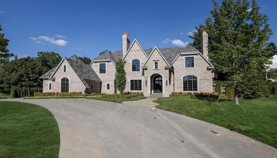 $2.975 Million Newly Built Brick Mansion In Bloomfield Hills, MI