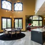 2-story Breakfast Room