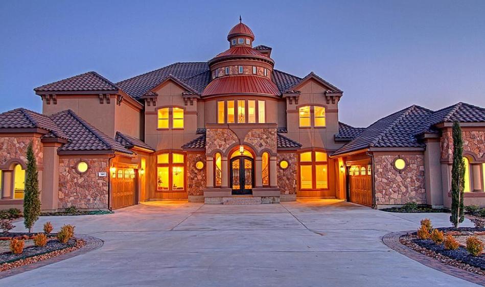 $1.3 Million Stone & Stucco Home In Montgomery, TX