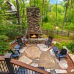 Patio w/ Fireplace