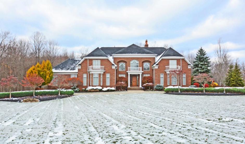 $2.5 Million Brick Mansion In Strongsville, OH