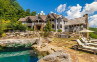 $3.9 Million Wood & Stone Mountaintop Home In Sapphire, NC