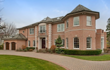 $2.899 Million Brick Home In Glencoe, IL