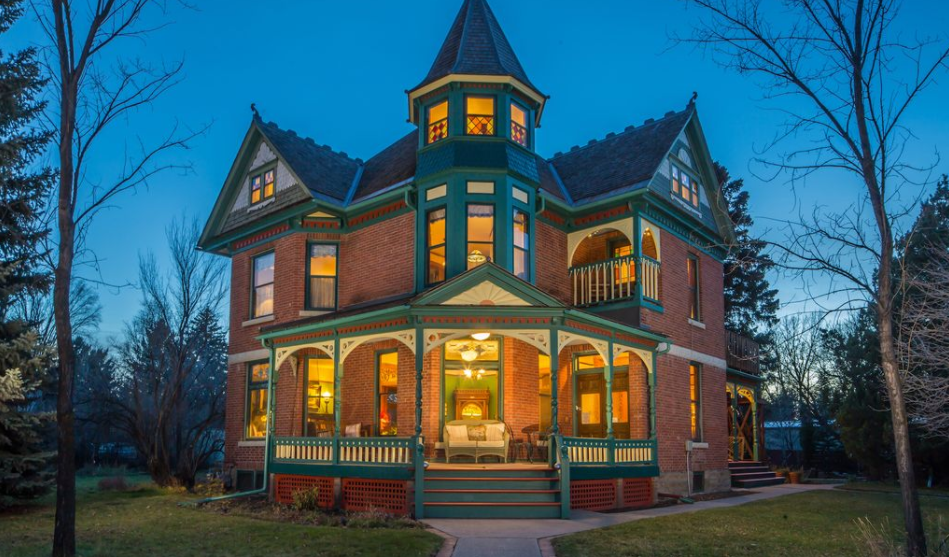 11 000 Square Foot Historic Victorian Mansion In Bozeman