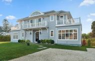 $2.4 Million Shingle Home In Water Mill, NY