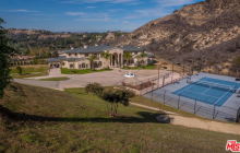 Rent This Newly Built Mega Mansion In Calabasas, CA
