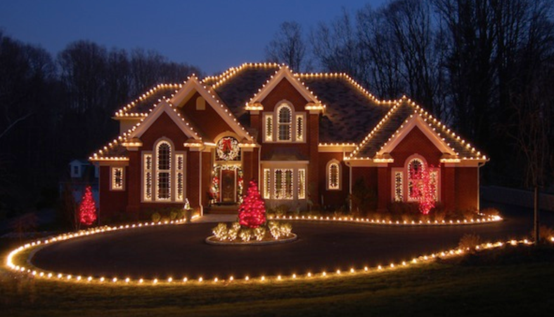Pictures Of Homes Decorated For Christmas a look at homes decorated with christmas lights | homes of the rich