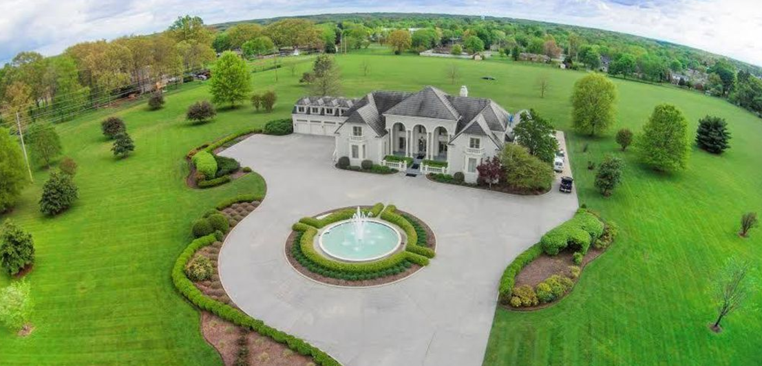 12 000 Square Foot Mansion On 25 Acres In Lawrenceburg Tn