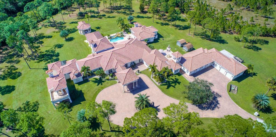 11 000 Square Foot Mansion On 20 Acres In Jupiter Fl Homes Of The Rich
