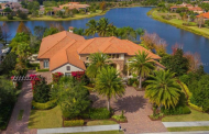 $3.45 Million Lakefront Home In Lakewood Ranch, FL