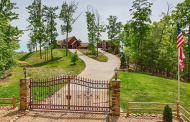 $2.5 Million Mountaintop Home In Sevierville, TN