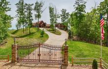 $2.5 Million Mountaintop Home In Sevierville, TN