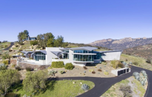 $12.5 Million Contemporary Mountaintop Estate In Malibu, CA