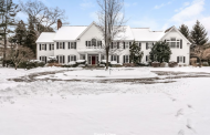 $3.985 Million Colonial Home In Darien, CT