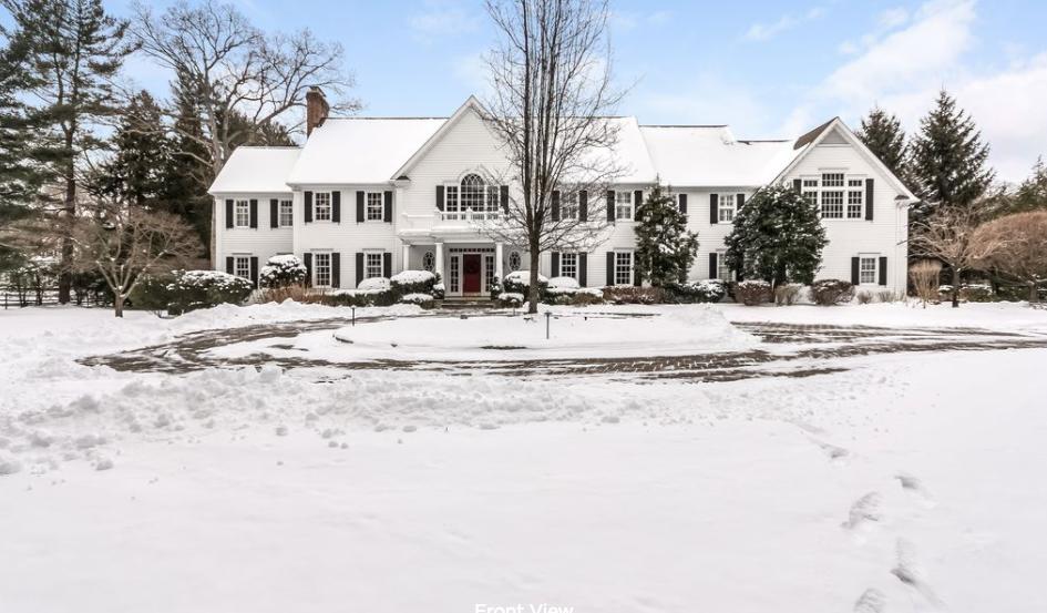 $3.985 Million Colonial Home In Darien, CT