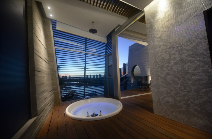 20 Sunken Bathtubs