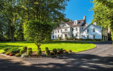 $7.295 Million Colonial Home In Greenwich, CT