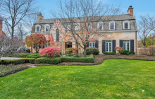$3.25 Million English Style Brick Home In Winnetka, IL