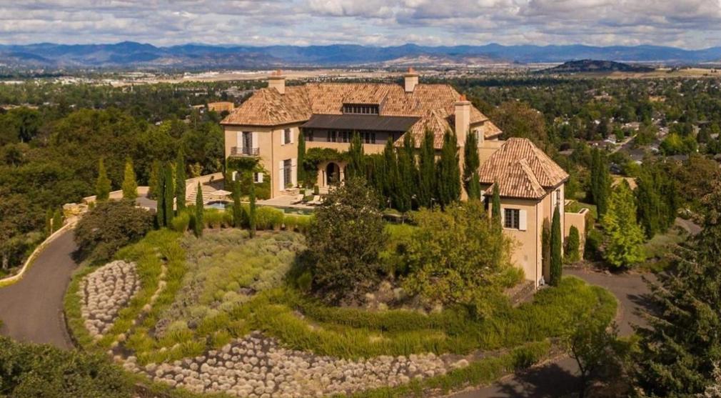 3 95 Million Mediterranean Hilltop Mansion In Medford Or