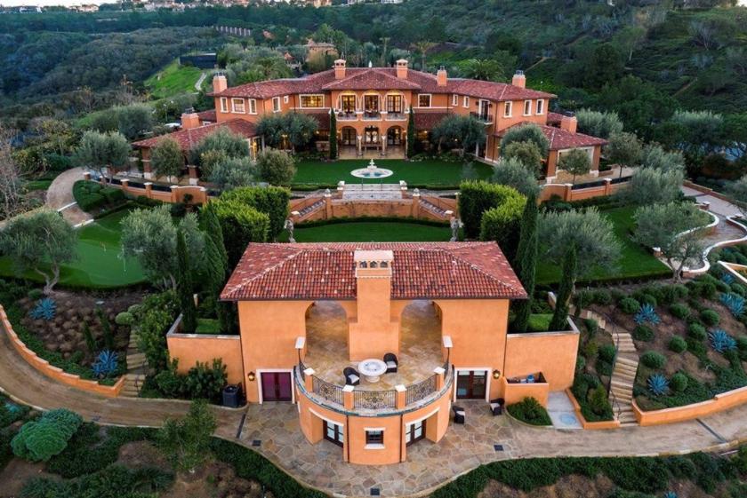 Villa Del Lago A 55 Million European Estate In Newport