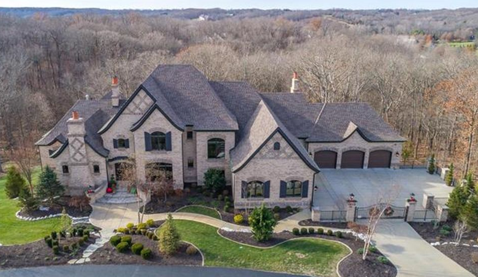 $2.295 Million Brick Mansion In Chesterfield, MO