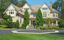 $4.595 Million Shingle Home In Greenwich, CT