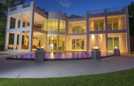 $4.995 Million Modern Waterfront Home In Sarasota, FL