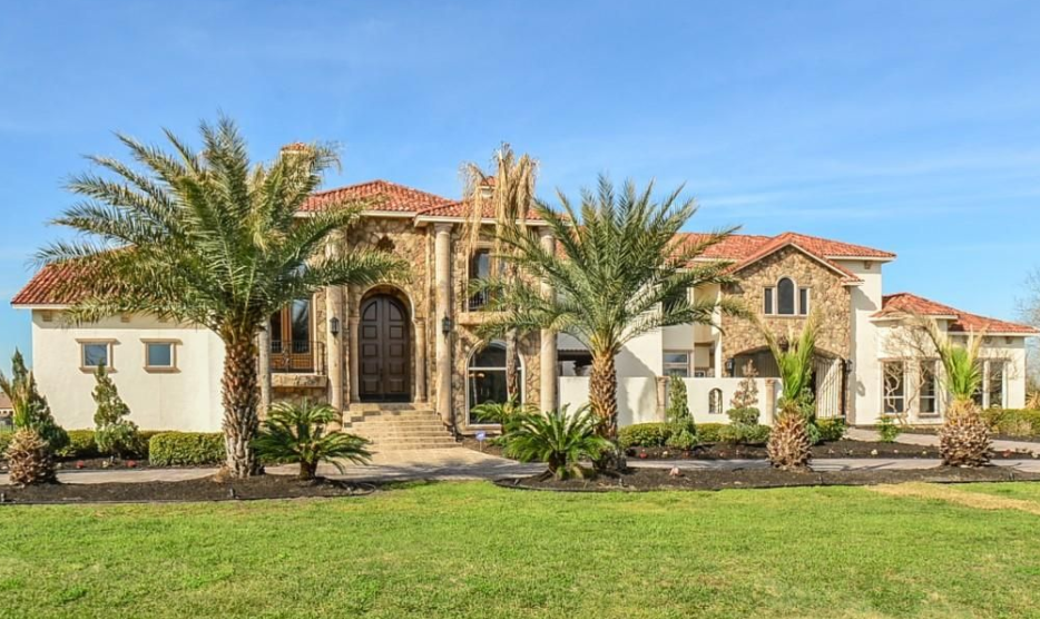 Mediterranean stone stucco home in richmond tx homes for Mediterranean stone houses