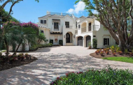 $10.9 Million Waterfront Home In Naples, FL