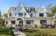 $2.7 Million Colonial Home In Hinsdale, IL