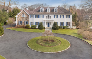 $3.595 Million Colonial Home In Harrison, NY