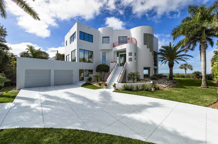 $13.5 Million Modern Beachfront Home In Naples, FL