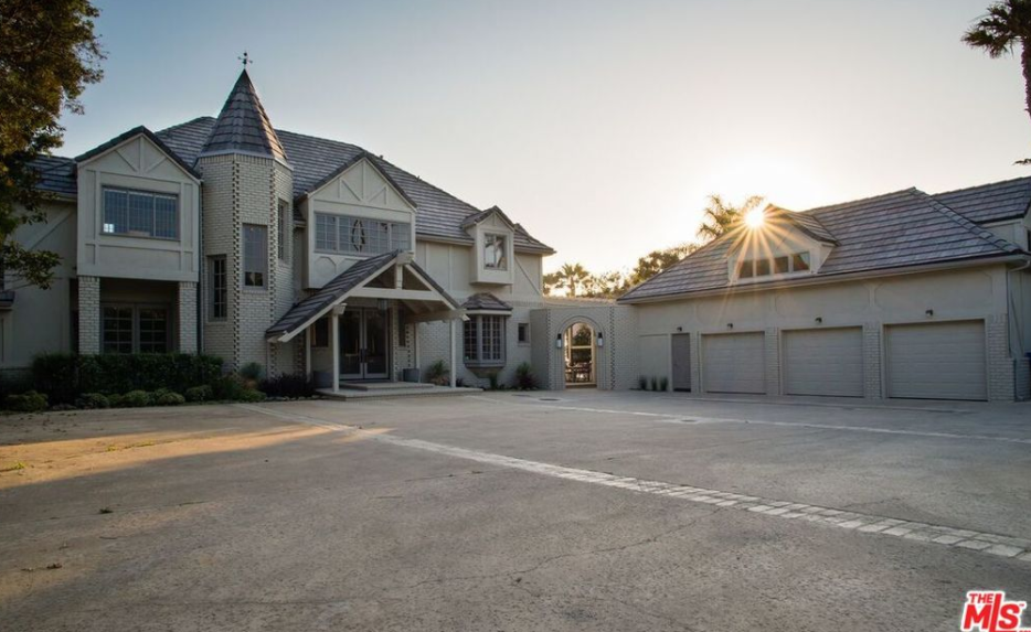 100 000 month rental in malibu ca homes of the rich for Homes under 100k in california