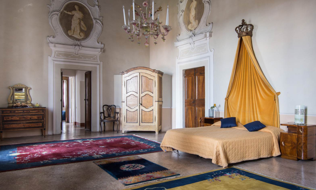 Historic Villa In Venice, Italy | Homes of the Rich