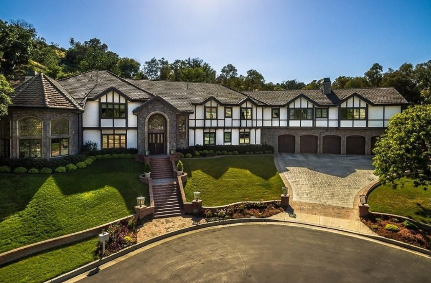 6 65 Million Tudor Home In Calabasas Ca Homes Of The Rich