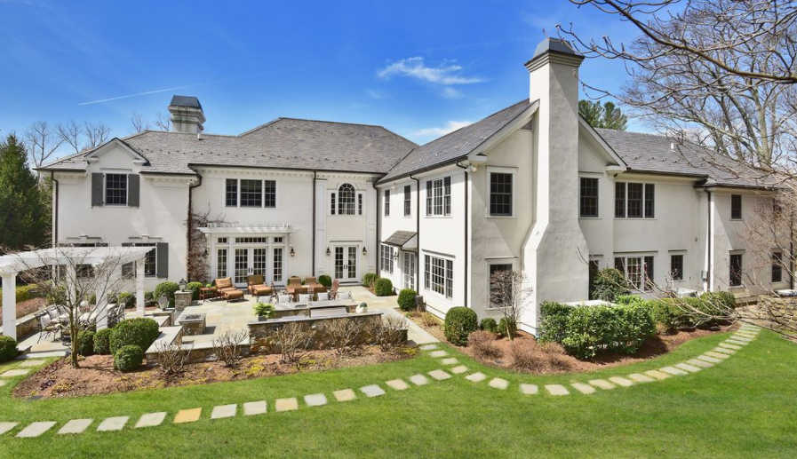 10 000 square foot colonial home in scarsdale ny homes for 10000 square foot house