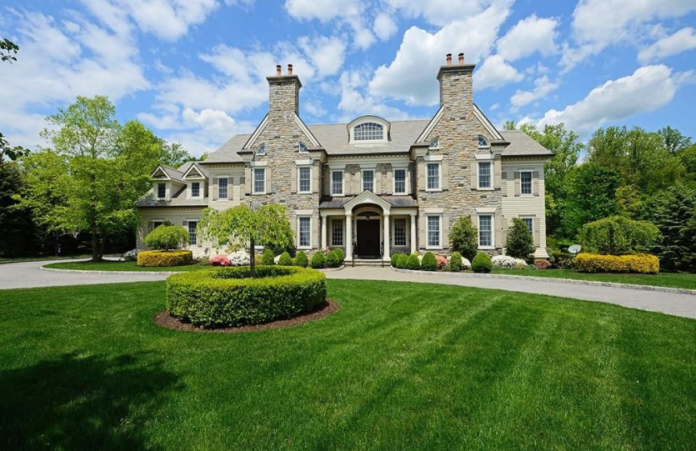 10 000 square foot colonial mansion in rye ny homes of for 10000 sq ft in acres